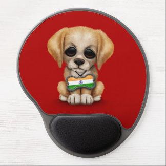 Perrito lindo con la placa de identificación india alfombrillas con gel