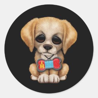 Perrito lindo con la placa de identificación pegatina redonda