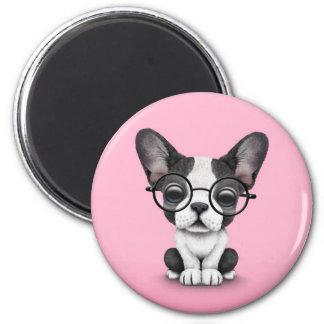 Perrito lindo del dogo francés con los vidrios, ro imán redondo 5 cm