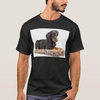 perrito lindo del pinscher del doberman playera