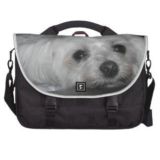 Perrito maltés cariñoso adorable bolsa de ordenador