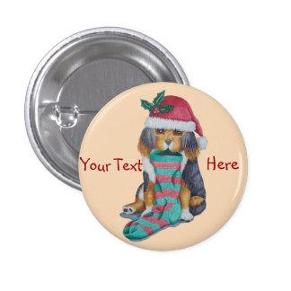 perrito marrón lindo con el navidad que almacena pin redondo de 1 pulgada