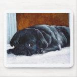 Perrito negro del barro amasado tapetes de raton
