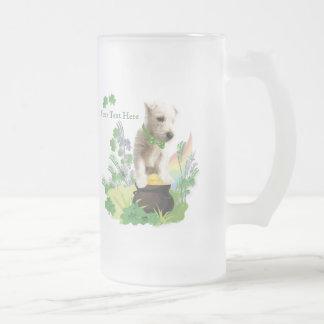 Perrito número tres de Westie - deseos del día del Taza