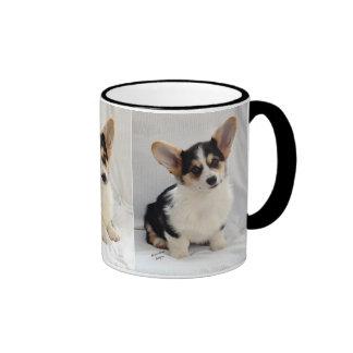Perrito tricolor del Corgi Galés del Pembroke en s Taza De Café