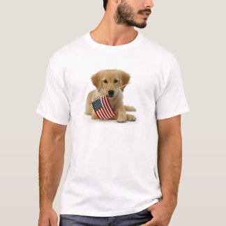Perrito y bandera del golden retriever playera
