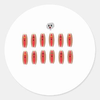 Perritos calientes del zombi pegatina redonda