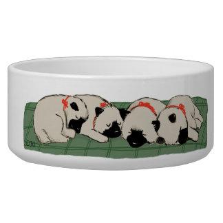 Perritos del Keeshond el dormir Tazones Para Perro