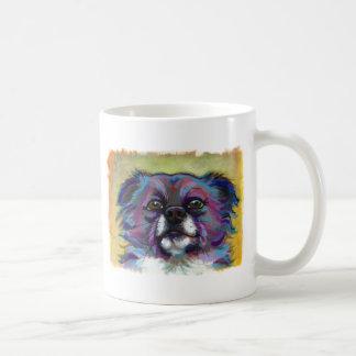 Perro adorable del arte de la pintura de la chihua taza básica blanca