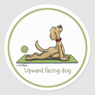 Perro ascendente del revestimiento - actitud de la pegatina redonda