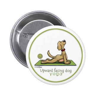 Perro ascendente del revestimiento - actitud de la pin redondo 5 cm