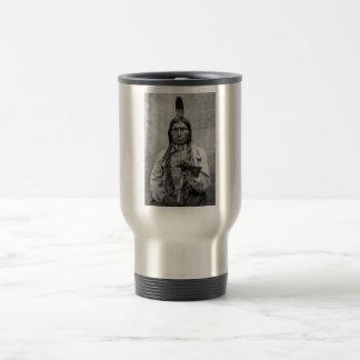 Perro bajo - foto del vintage del nativo americano tazas de café