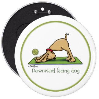 Perro boca abajo - botón de la yoga