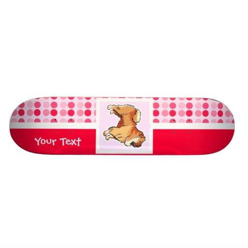 Perro chino de perro chino lindo tabla de patinar