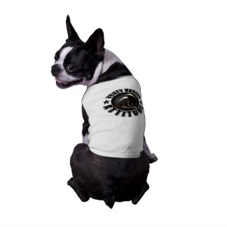 Perro con actitud del tejón de miel camisa de mascota