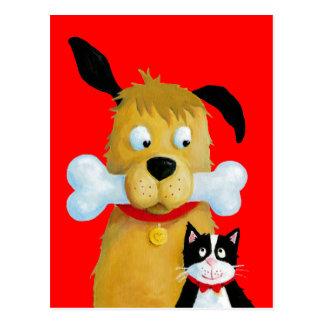 Perro con el hueso y el gato - postal divertida