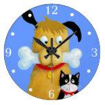 Perro con el hueso y el gato - reloj de pared