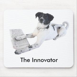 perro con un periódico, el innovador alfombrillas de ratón