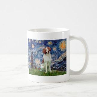 Perro de aguas de Bretaña 3 - noche estrellada Tazas De Café