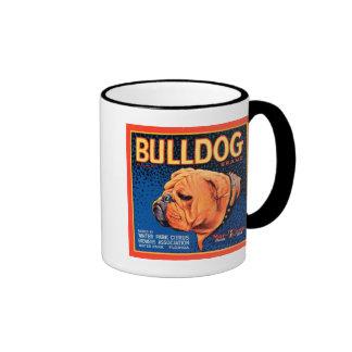 Perro de Bull en un fondo azul Taza De Dos Colores