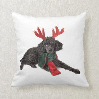 Perro de caniche negro de juguete del navidad vest cojin