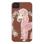 Perro de caniche rosado femenino lindo Case-Mate iPhone 4 cárcasas