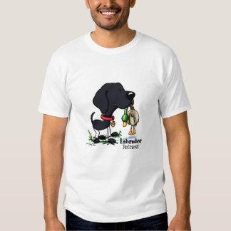 Perro de caza - camiseta negra del labrador playeras