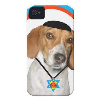 Perro de caza divertido de Thanksgivukkah con iPhone 4 Protector