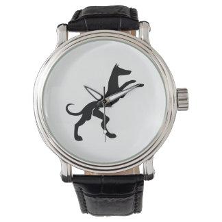 Perro de caza medieval elegante reloj de mano