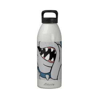 Perro de diablo dentro botellas de beber