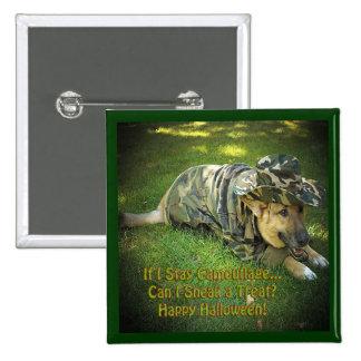 Perro de Halloween en camuflaje Pin Cuadrada 5 Cm