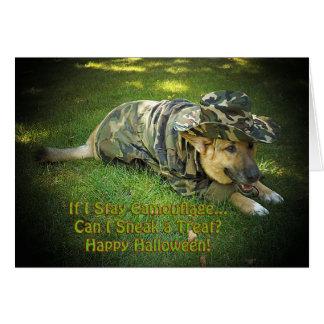 Perro de Halloween en camuflaje Tarjetón