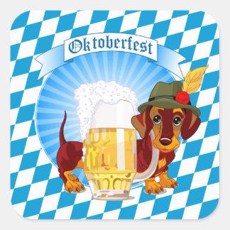 Perro de la cerveza de Oktoberfest Pegatina Cuadrada