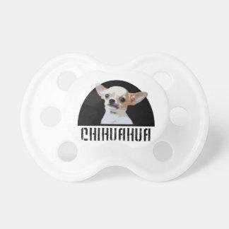 Perro de la chihuahua chupete de bebé