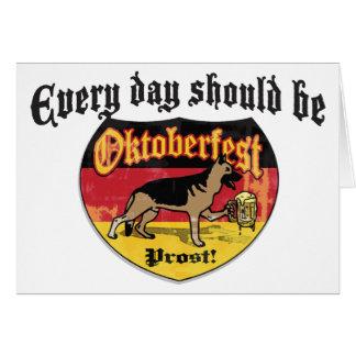 Perro de la féretro del pastor alemán tarjeta de felicitación
