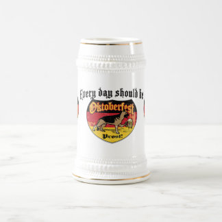 Perro de la féretro del pastor alemán jarra de cerveza