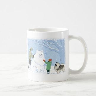 Perro de la nieve del Keeshond Tazas De Café