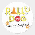 Perro de la reunión del pastor alemán pegatina redonda