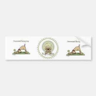 Perro de la yoga - actitud ascendente del perro de pegatina de parachoque