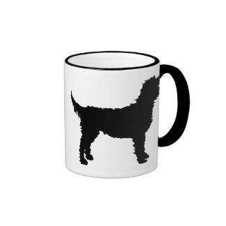 Perro de Labradoodle (en negro) Taza De Dos Colores