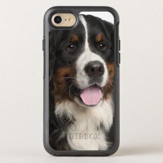 Perro de montaña de Bernese (de 1 año) Funda OtterBox Symmetry Para iPhone 7