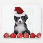 Perro de montaña de Bernese del navidad Mouse Pads