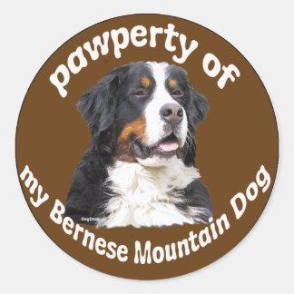 Perro de montaña de Bernese Pegatina Redonda