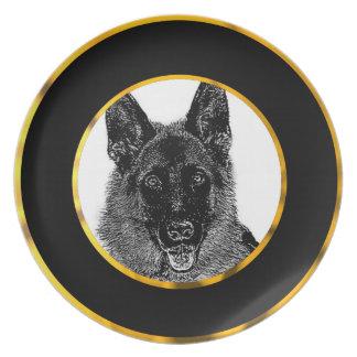 Perro de pastor alemán plato