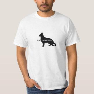 Perro de pastor alemán - utilice la camiseta de la playera