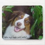 Perro de pastor australiano sonriente Mousepad Tapetes De Ratón