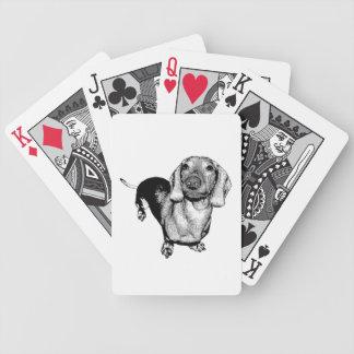 Perro de patas muy cortas blanco y negro de baraja de cartas bicycle