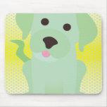 Perro de perrito de la verde menta en amarillo tapetes de raton