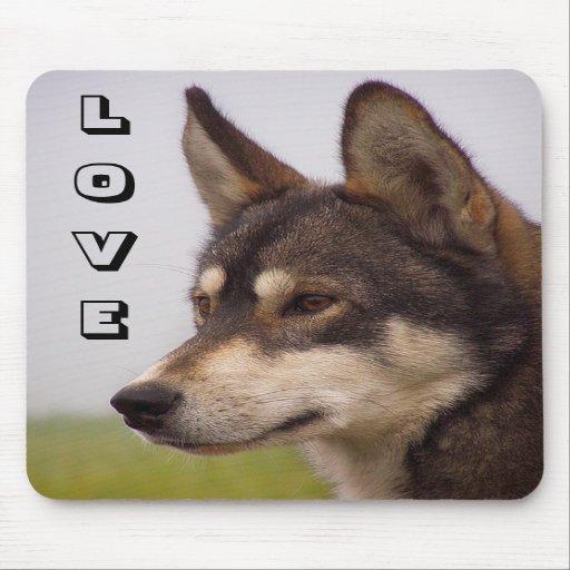 Perro de perrito del husky siberiano del amor Mous Alfombrilla De Raton