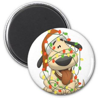 Perro de perrito divertido de las luces de navidad iman de frigorífico